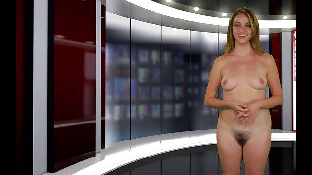 Le nègre baise une brune avec filme porno online gratuite une énorme bite.