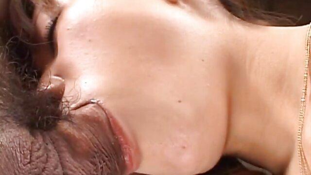 Les nouveaux mariés font l'amour dans la chambre. film porno francais complet hd