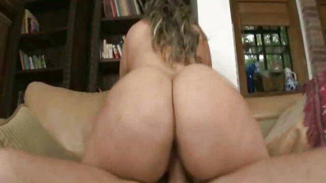 Poussin en bikini. video hd sex gratuit