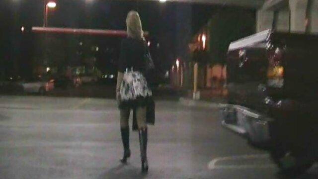 Insère Anya Rose dans le filmulete porno gratis hd cul.
