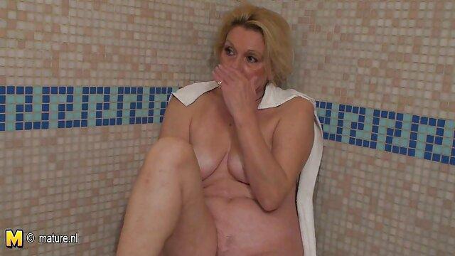 Masturbation avec un sextoy film porno francais complet hd d'une beauté rousse.