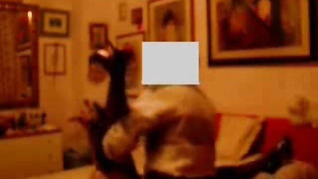 Le Français baise le mulâtre avec une grosse bite. video porno haute qualite