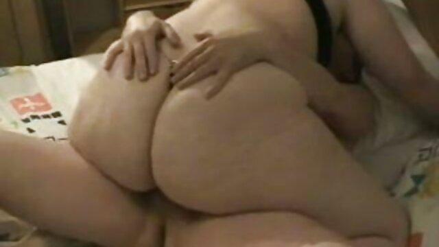 En baise un modeste avec une chatte mal filmulete porno gratuite rasée.