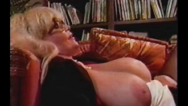 Le nègre baise une femme avec une énorme meilleur film porno hd bite.