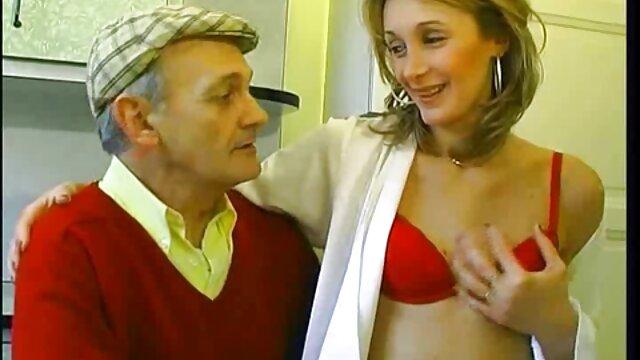 Le film porno francais complet hd conjoint baise une femme après une branlette de gode.