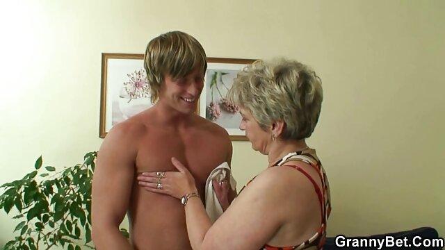 Le mec timide a des relations filmulete porno gratis hd sexuelles anales.
