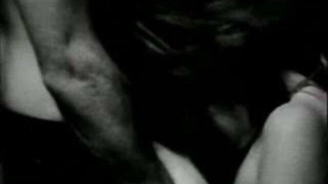 Un ami de l'université baise une jeune film francais porno hd femme.